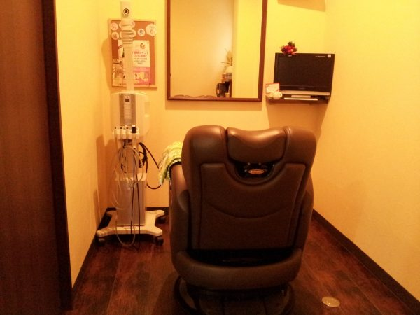 完全個室(空調・光調・防音)によりプライベート空間で周りを気にせずゆったり時間が過ごせます。